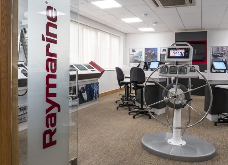 Raymarine - Demo Room (2)